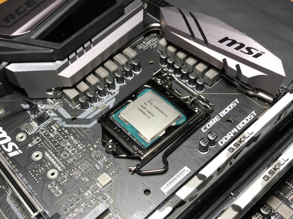 intel-core-i9-9900k-chip-and-board