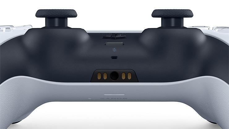 Подробные трёхмерные изображения контроллера DualSense и аксессуаров