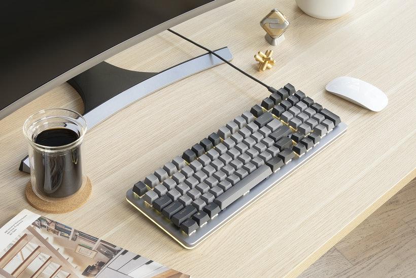 Drop Shift Mechanical Keyboard на столе